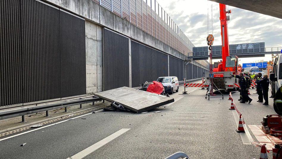 A3 bei Köln: Betonplatte als tödliche Falle