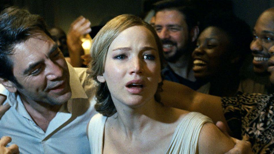 "Javier Bardem und Jennifer Lawrence in ""Mother!"""