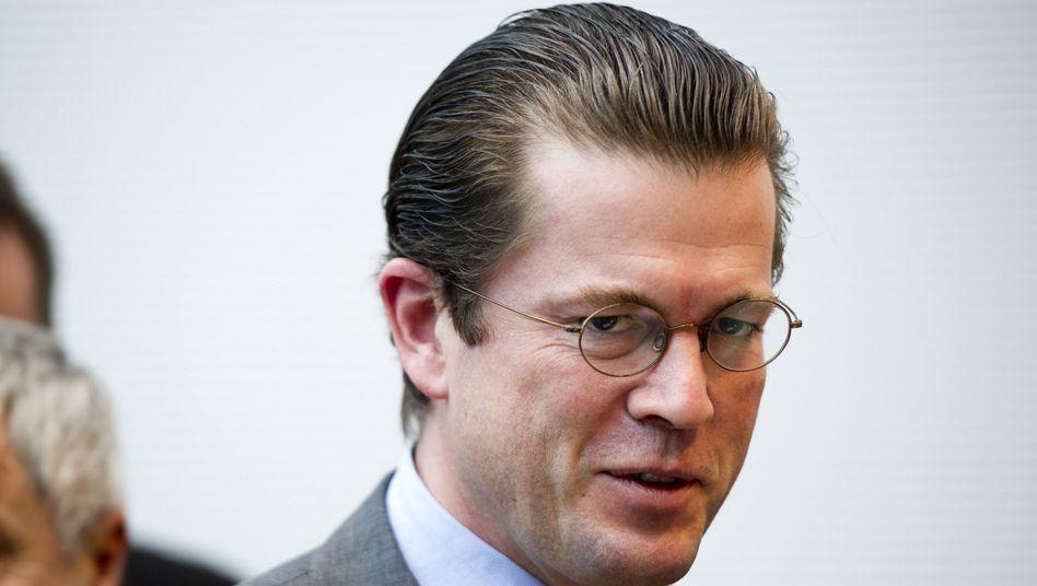 Verteidigungsminister Guttenberg: Kratzer am Image