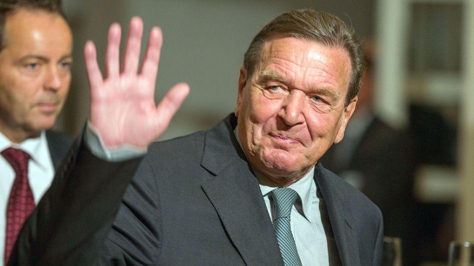 Ex-Kanzler Schröder: Er kassierte ohne angemessene Gegenleistung