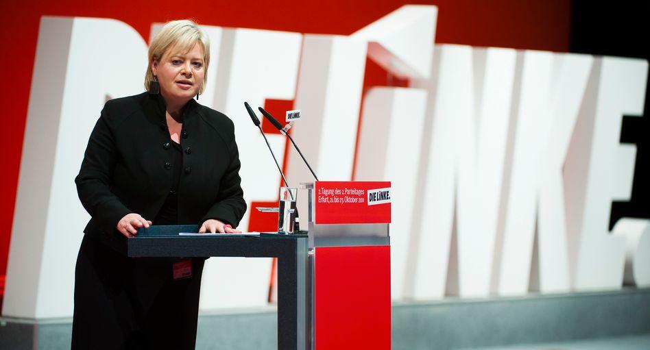 """Vorsitzende der Linkspartei Gesine Lötzsch: """"Diese Entscheidung ist mir nicht leicht gefallen"""""""