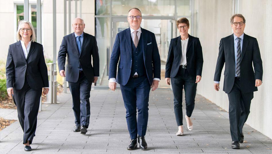Die Wirtschaftsweisen: Monika Schnitzer, Achim Truger, Lars Feld, Veronika Grimm und Volker Wieland