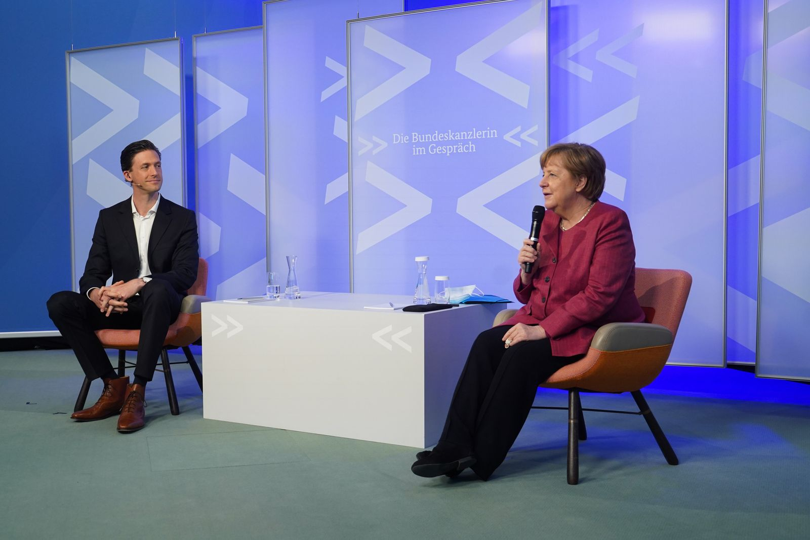 """Merkel Speaks With Artists In Virtual """"Conversation With The Chancellor"""""""