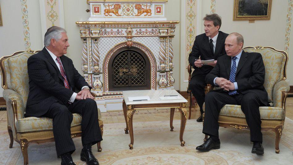 Tillerson und Putin in Moskau (April 2012)