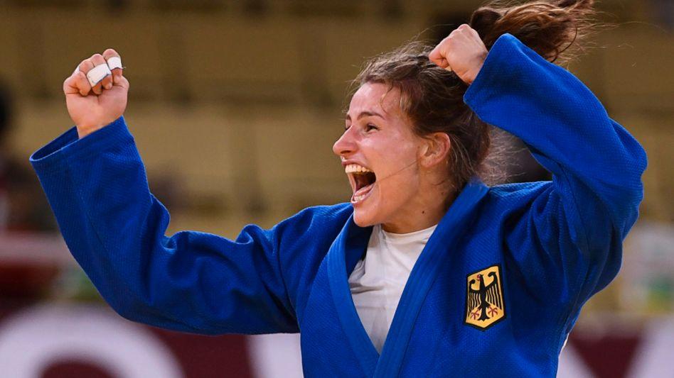 Judo-Weltmeisterin Anna-Maria Wagner jubelt über Bronze