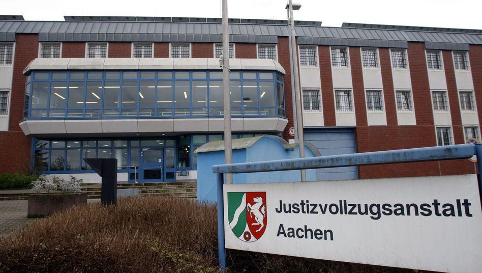 Justizvollzugsanstalt in Aachen: Staatsanwaltschaft ermittelt gegen Bediensteten