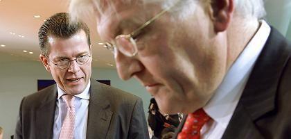 Minister Guttenberg, Steinmeier: Dicht beieinander auf Platz fünf und sechs