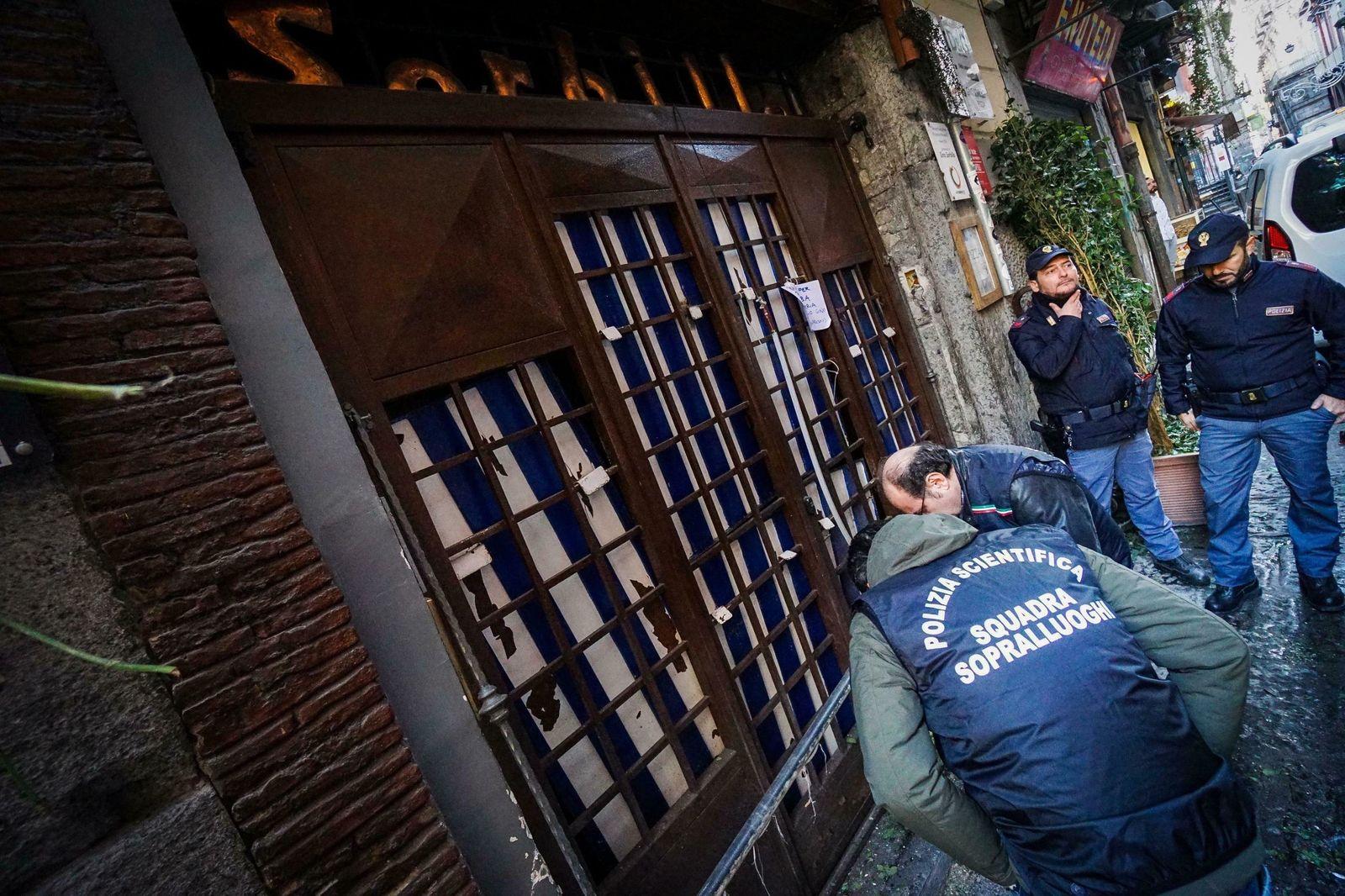 Bombenexplosion vor Pizzeria in Neapel