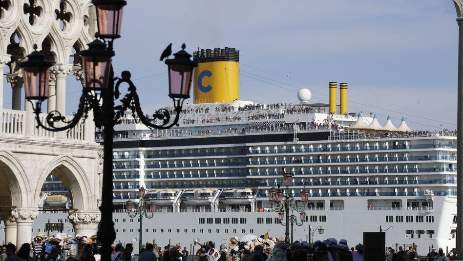 """Kreuzfahrtschiff in Venedig: """"Wir wollen jetzt eine Lösung"""" - nicht in zehn Jahren"""