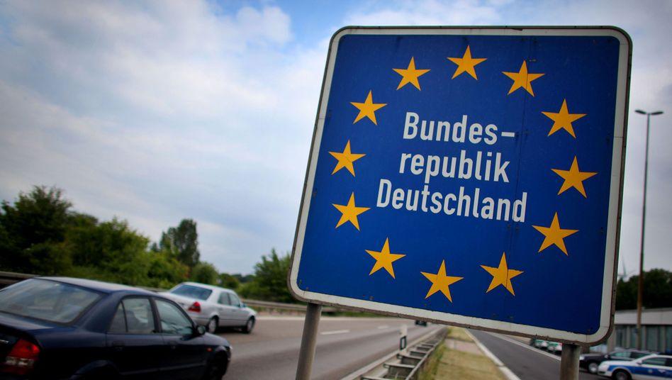Bundesgrenze: Innenminister Friedrich lobt die Schengen-Reform