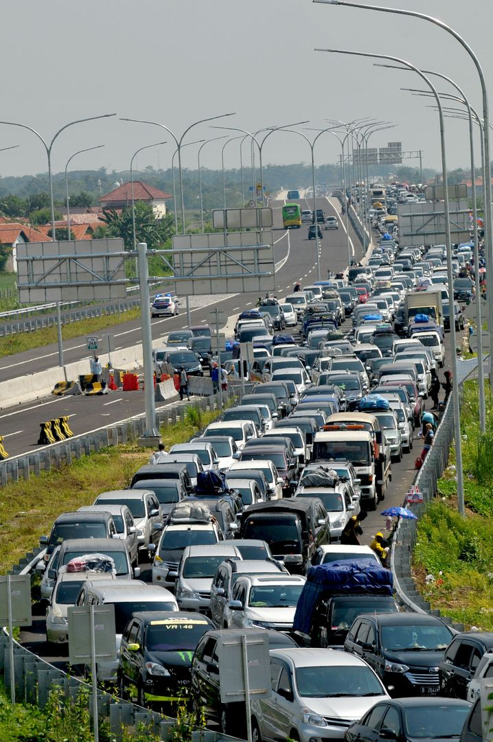 Autobahnstau am Ende des Ramadans auf Java