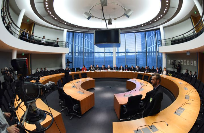 Sitzung des Untersuchungsausschusses zu dubiosen Aktiendeals