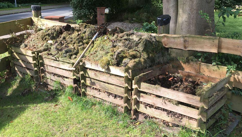 Komposter-Umbau: Ein Ort für Grünschnitt