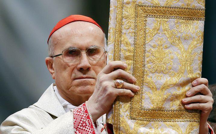 Kardinalstaatssekretär Tarcisio Bertone: Mächtiger Strippenzieher im Vatikan