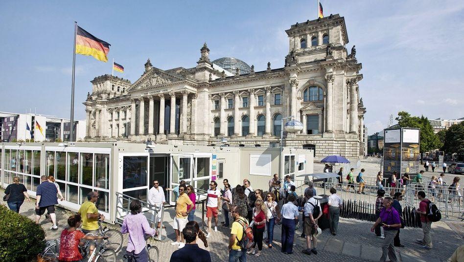 Besuchereingang des Reichstagsgebäudes