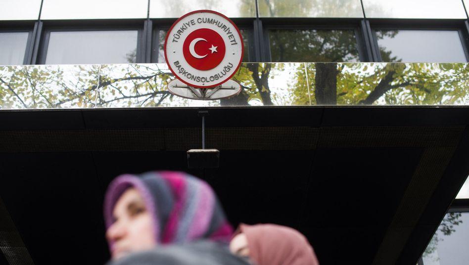 Das türkische Konsulat in Berlin: Türken in Deutschland wählten zu 60 Prozent AKP