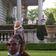 Paar richtet Waffen auf Demonstranten in St. Louis