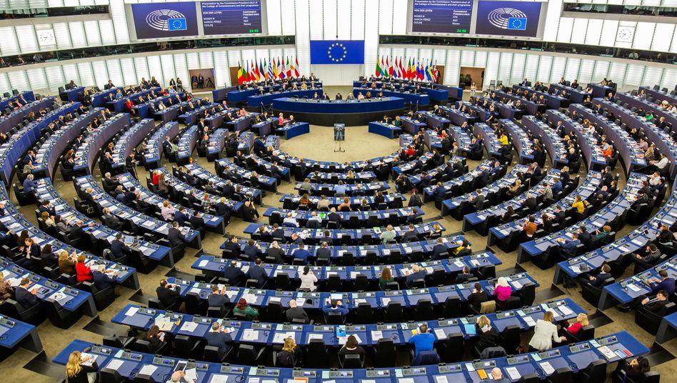 Europäisches Parlament in Straßburg: Umerziehungslager sofort schließen