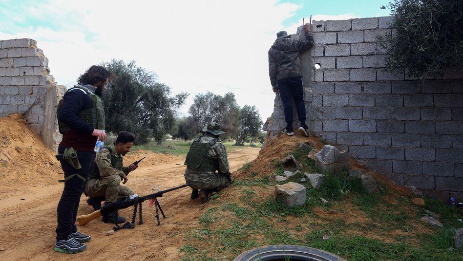 Regierungstruppen in Libyen: Der Krieg eskaliert