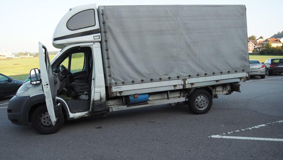 Der Fahrer des aus Rumänien kommenden Lasters wurde festgenommen.