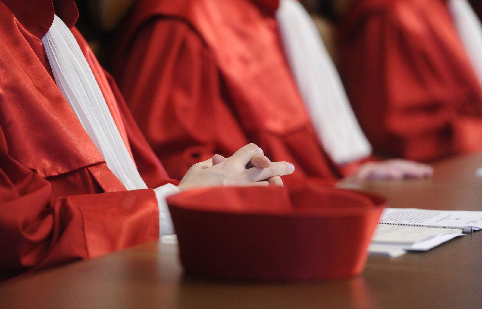 SYMBOLBILD Gericht / Urteil / Bundesverfassungsgericht