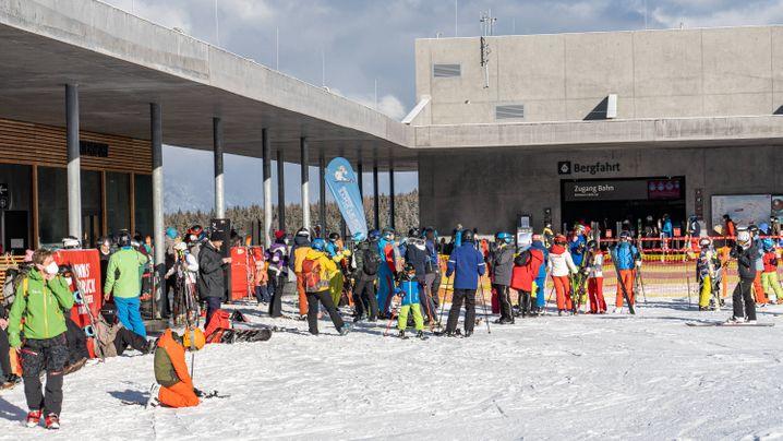 Großer Andrang: Talstation der Patscherkofelbahn (Innsbruck) am zweiten Weihnachtsfeiertag