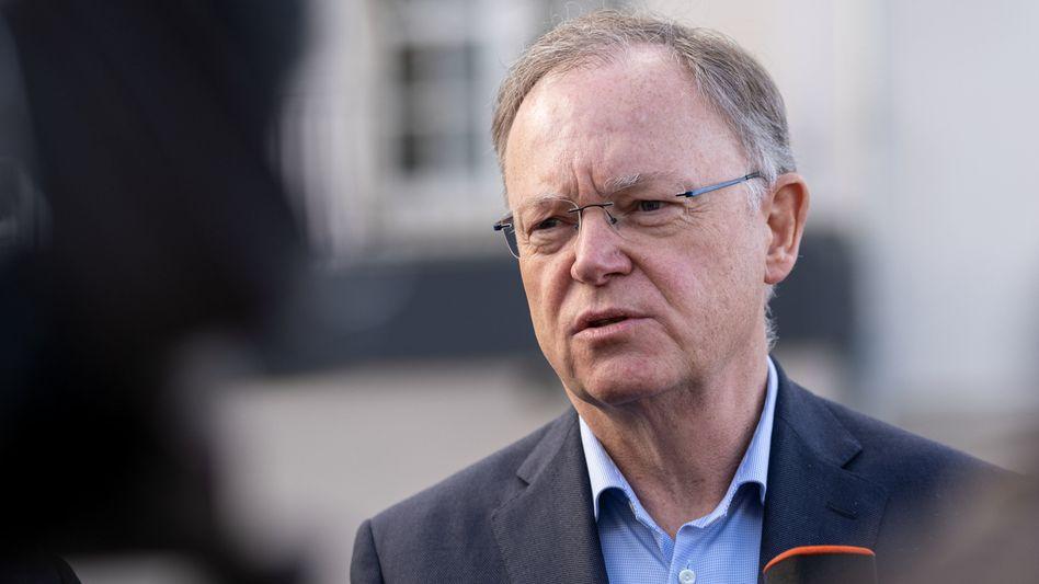 """Stephan Weil: """"Umstieg auf umweltfreundliche Antriebe kann wesentlich beschleunigt werden"""""""