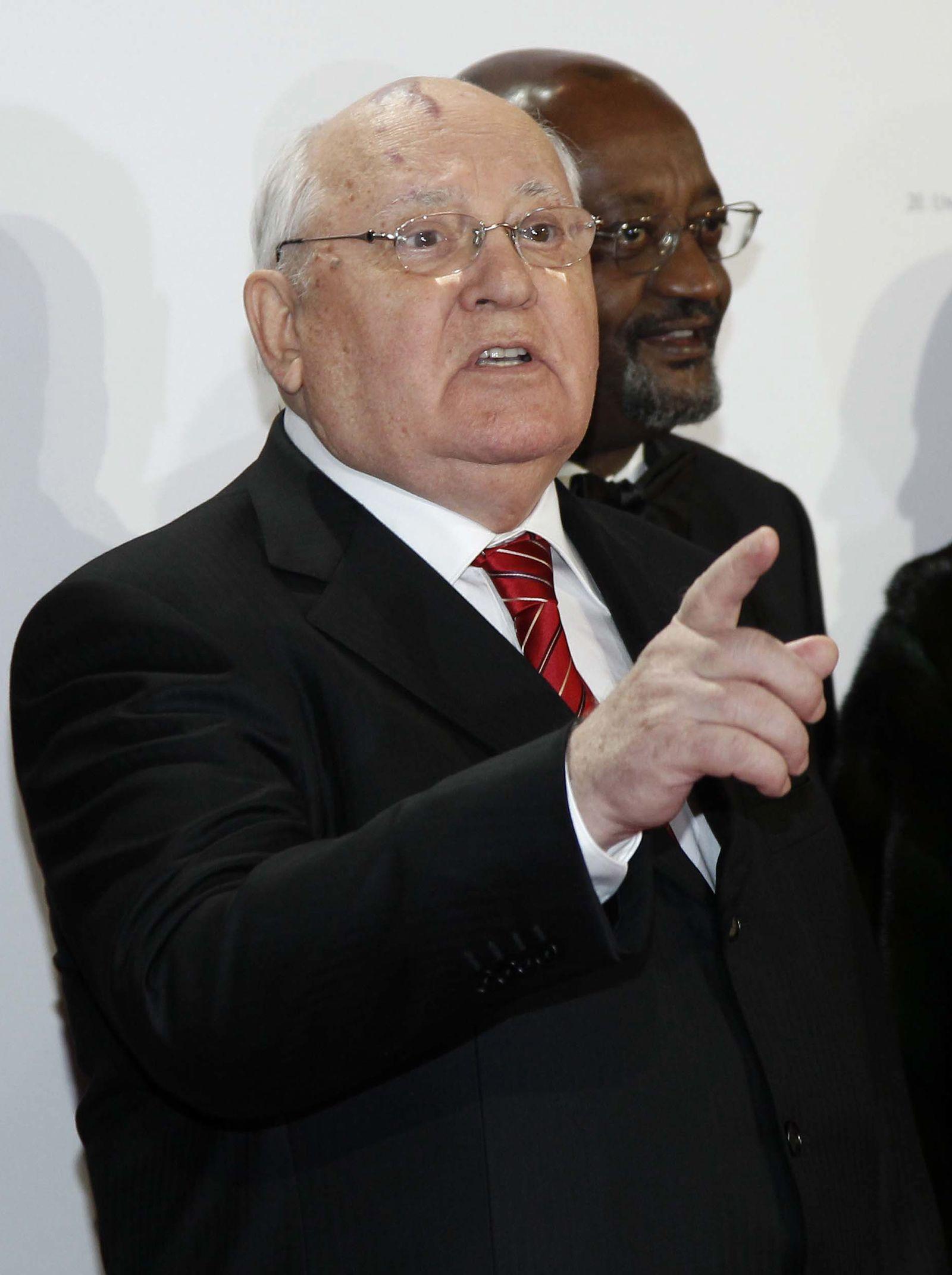 NICHT VERWENDEN gorbatschow hebt den finger