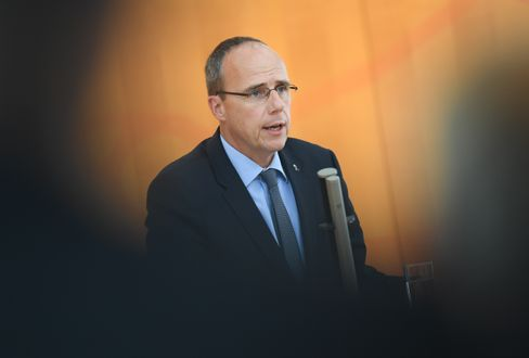 Innenminister Beuth: »Offenkundige Verrohung in Teilen des SEK«