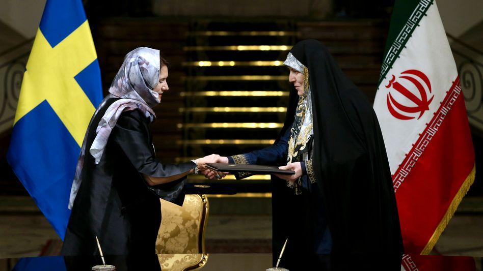 Ann Linde mit iranischer Politikerin Shahindokht Molaverdi