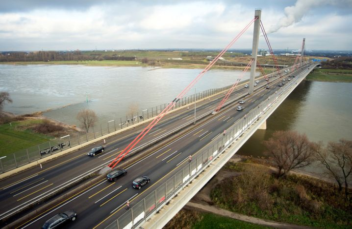 Leverkusener Rheinbrücke