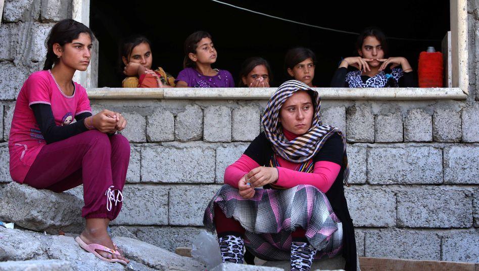 Terrormiliz IS im Irak: Zehntausende Jesiden im Gebirge eingeschlossen