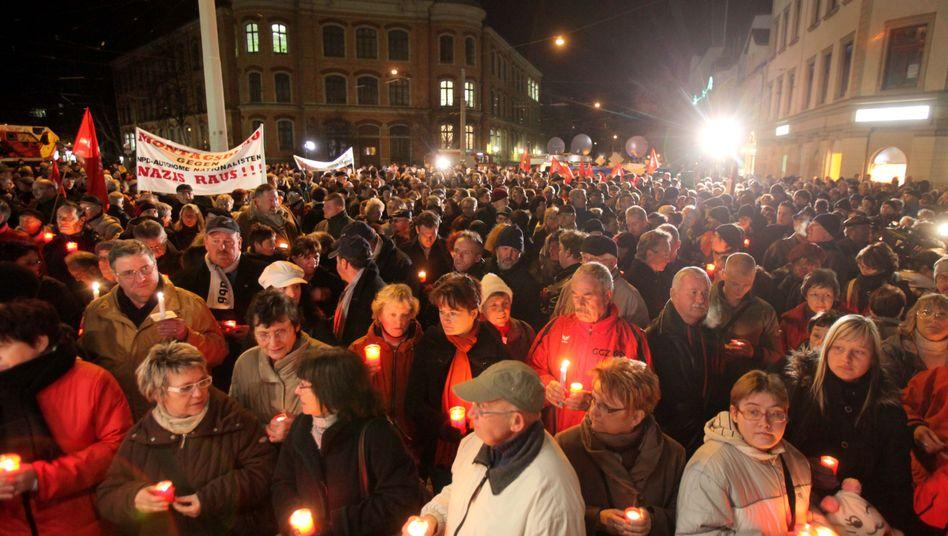 """Kundgebung gegen rechte Gewalt in Zwickau: """"Nazis raus"""""""