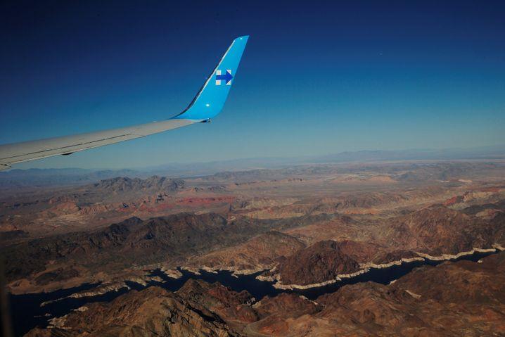 Clintons Jet beim Anflug auf Las Vegas