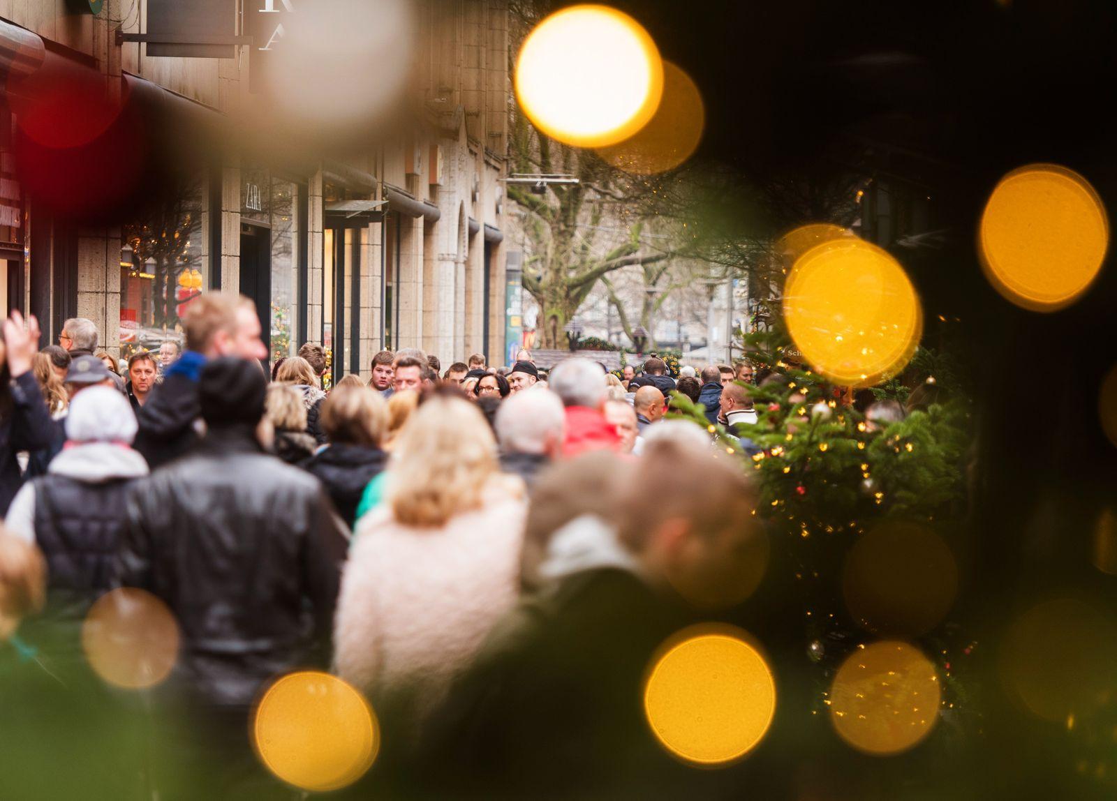 Weihnachten / Shoppen / Konsum / Weihnachtseinkäufe
