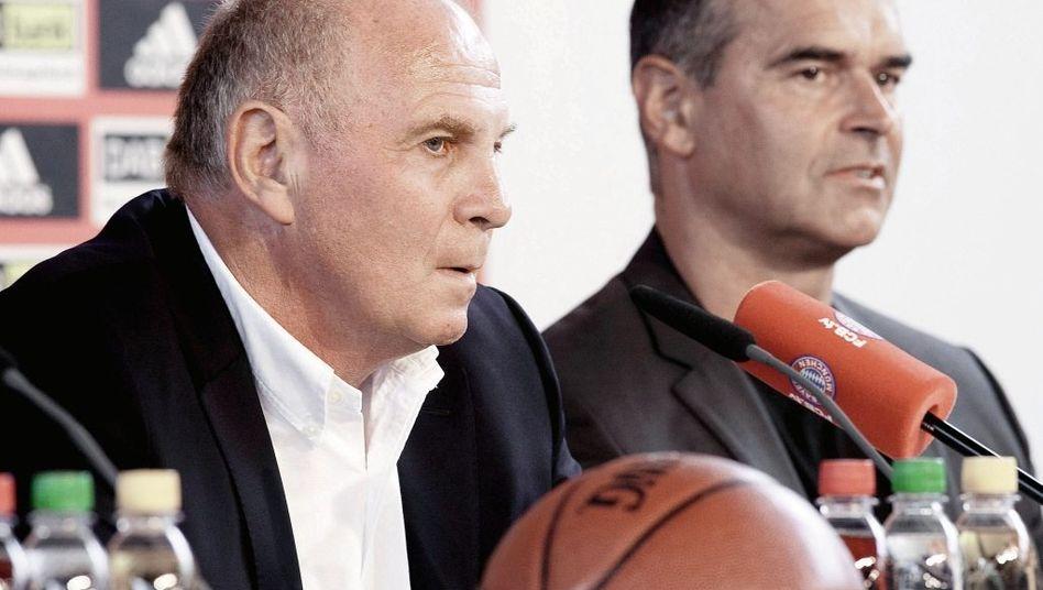 Präsident Hoeneß, Trainer Bauermann