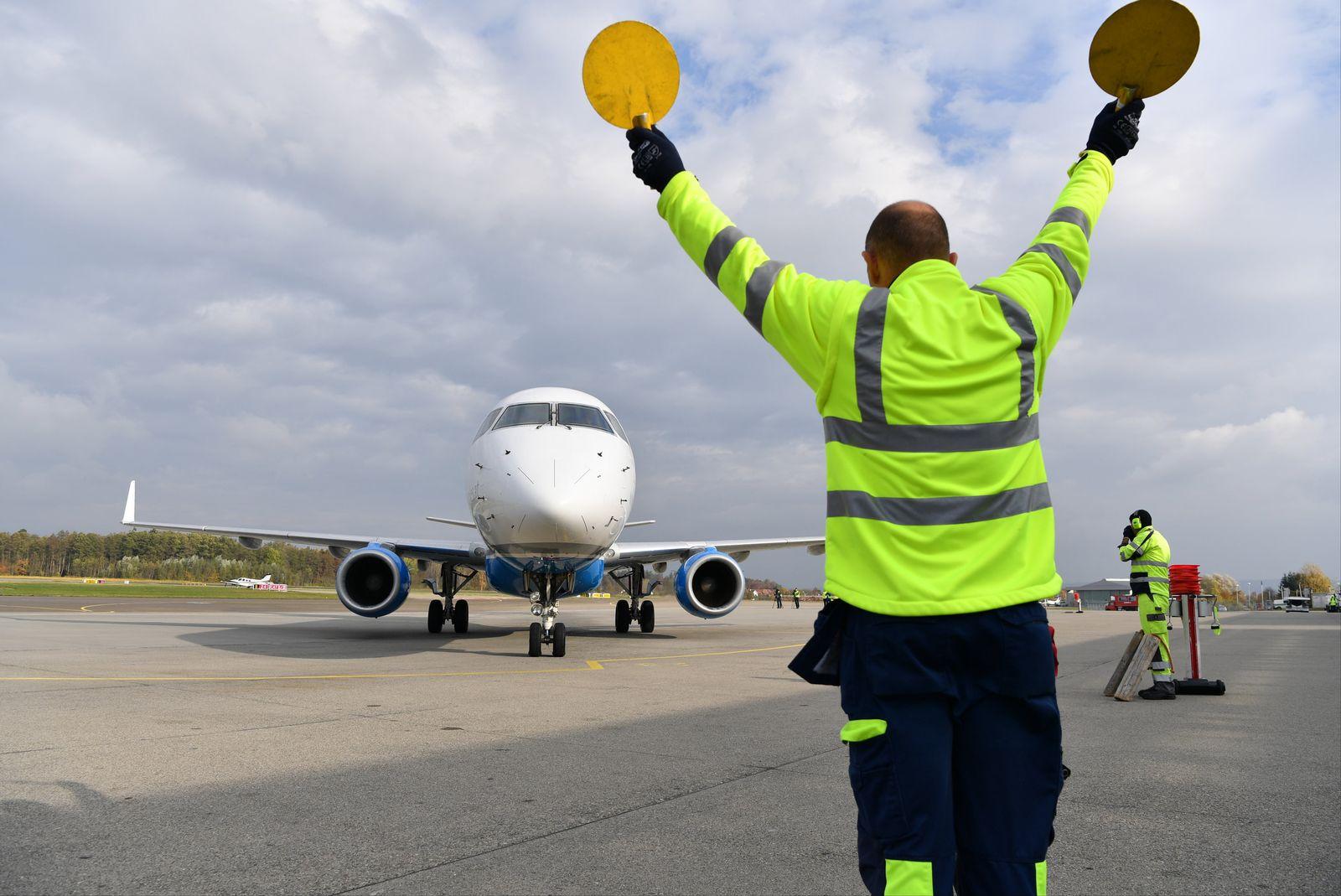 EINMALIGE VERWENDUNG Kürzester internationaler Linienflug der Welt