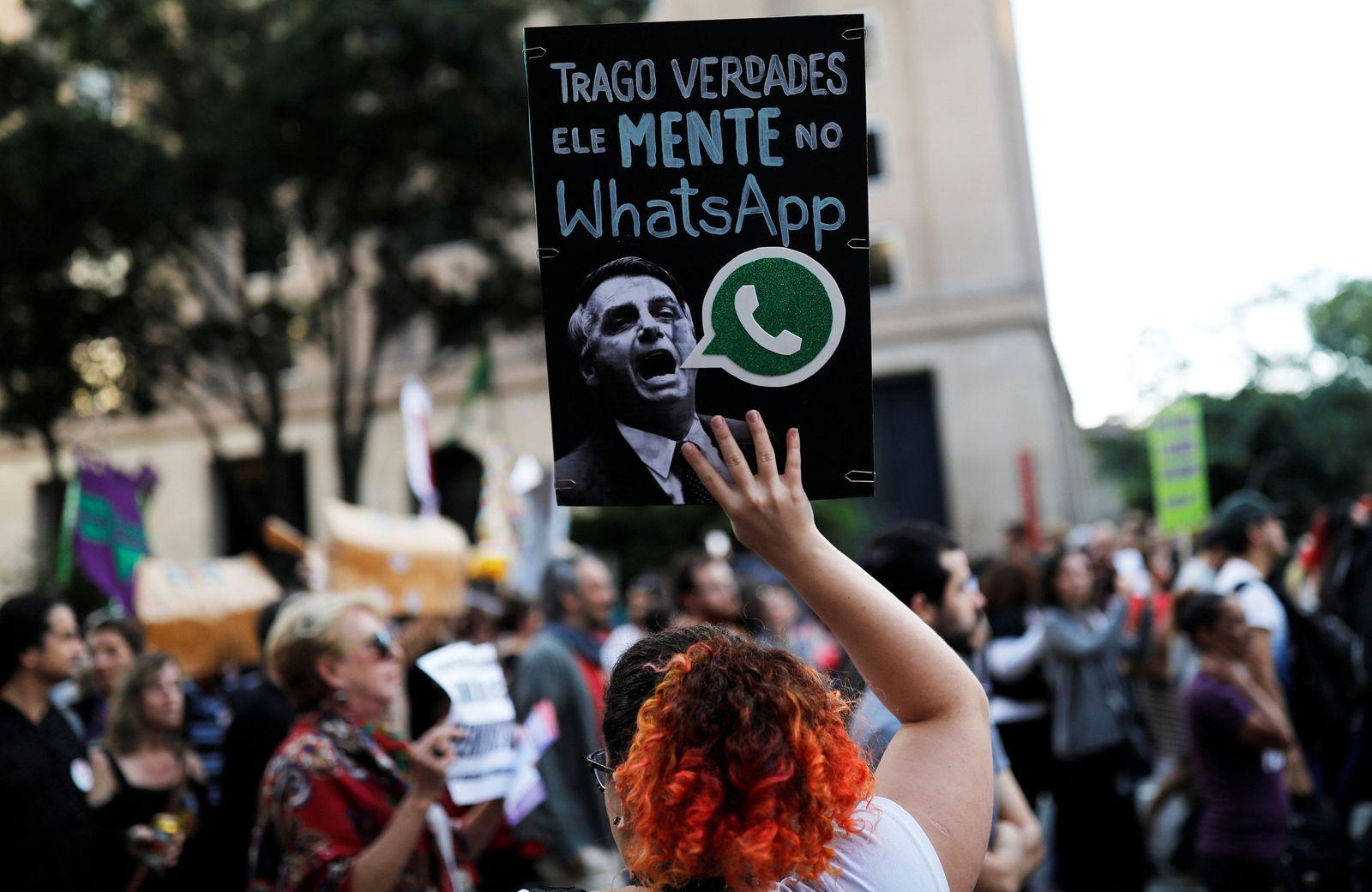 Brasilien / Whatsapp / Jair Bolsonaro