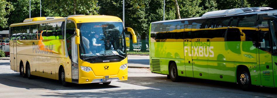 Postbus und Flixbus in Hamburg