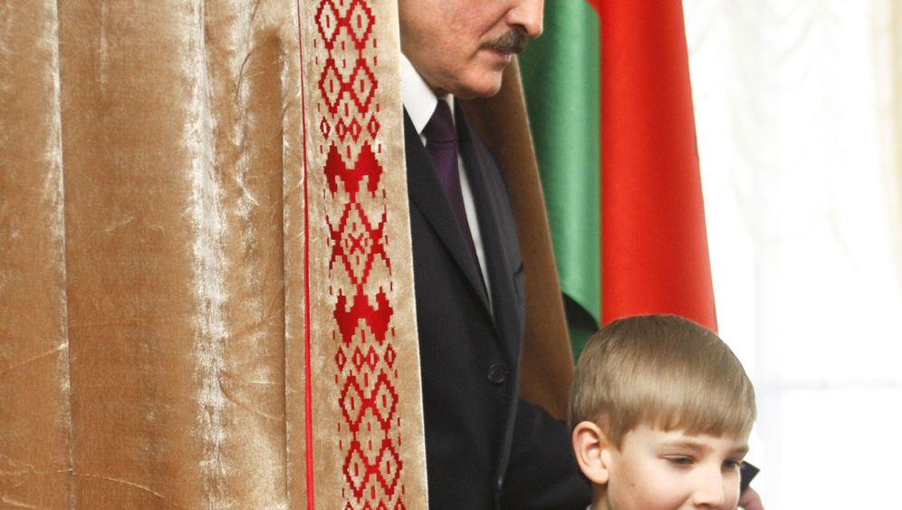 Photo Gallery: Lukashenko Cracking Down on Weak Opposition