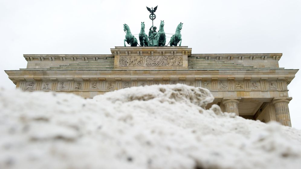 Photo Gallery: Winter Weather Hits Germany