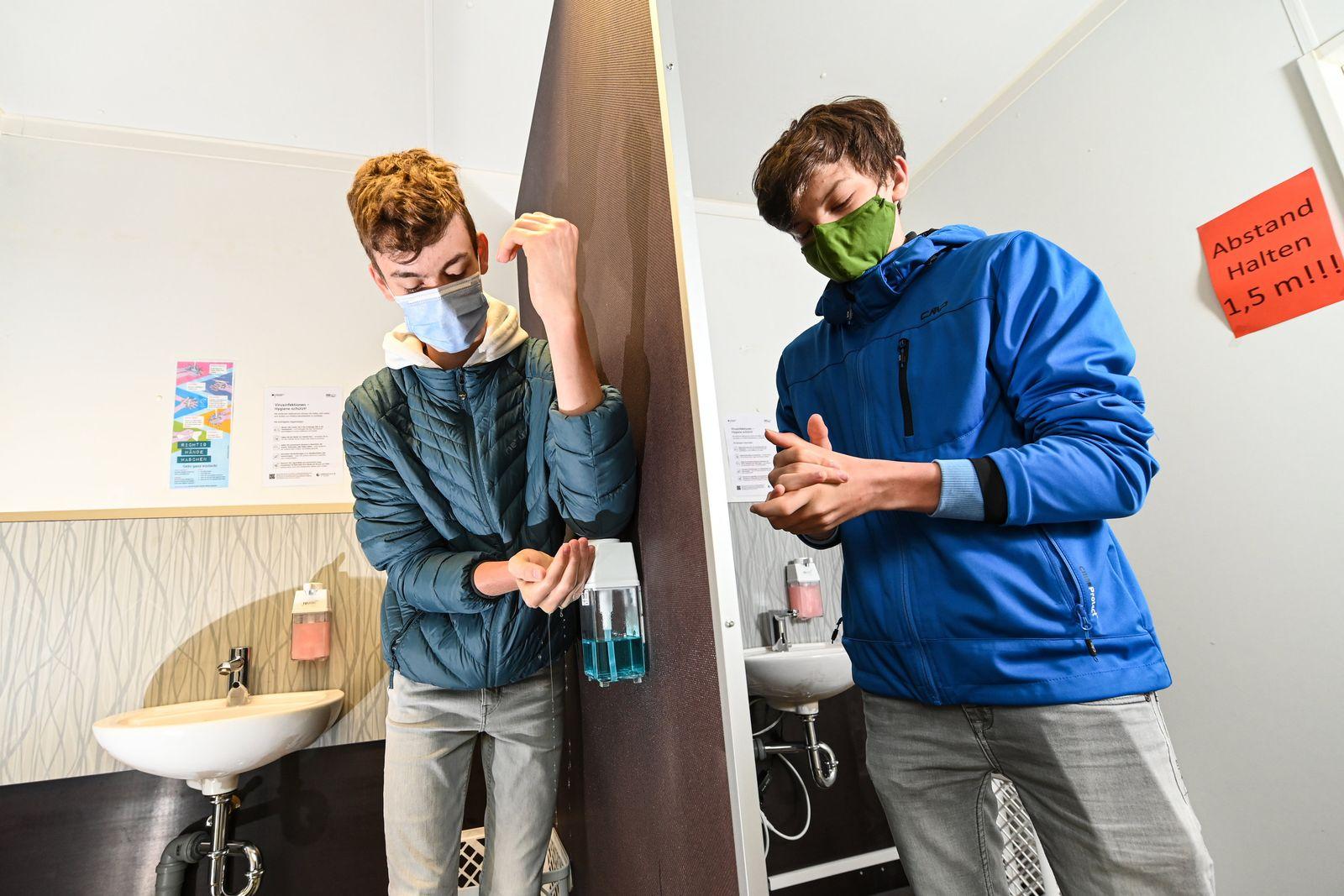 Coronavirus - Baienfurt Hygieneschleuse an Schule