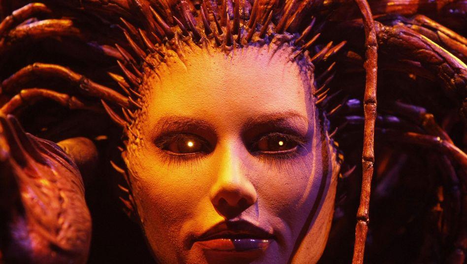 Kultspiel World of Warcraft (hier eine lebensgroße Spielfigur auf einer Messe): 11,5 Millionen zahlende Abonnenten, mehr als eine Milliarde Dollar Umsatz im Jahr - und angeblich ein erhebliches Suchtpotential