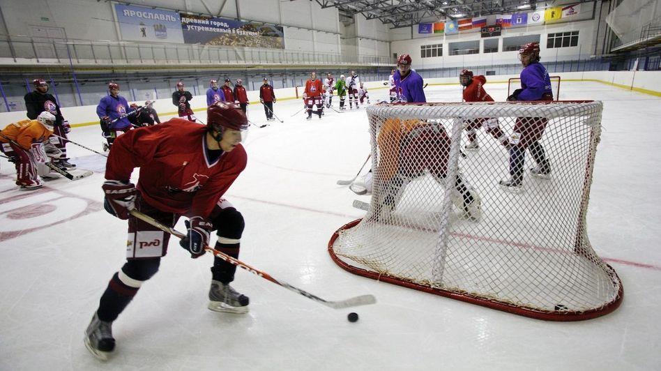 Training der Nachwuchsspieler bei Lokomotive Jaroslawl: Den Fans, dem Verein, der Stadt den Glauben an die Zukunft wiederbringen