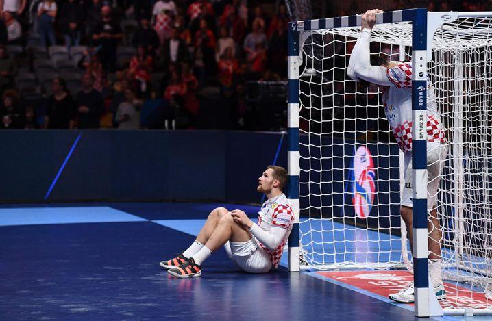 Die kroatischen Spieler trauern nach der Partie ihren vergebenen Chancen hinterher