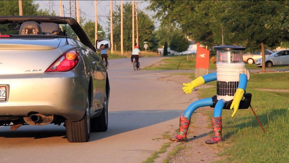 Der Hitchbot: Er kann sprechen, aber er kann sich nicht bewegen