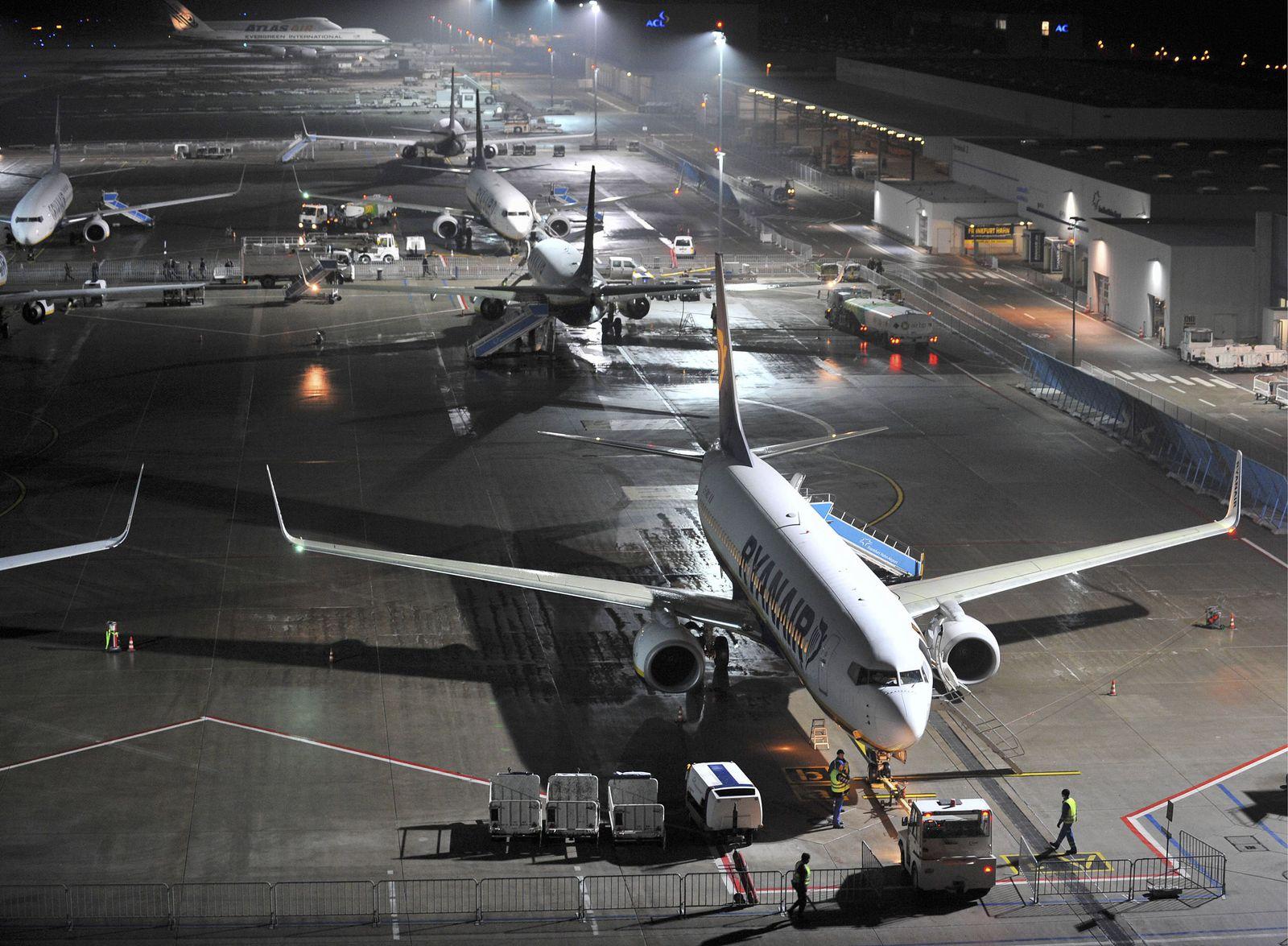 NICHT VERWENDEN Flughafen Frankfurt-Hahn / Billigfluggesellschaften