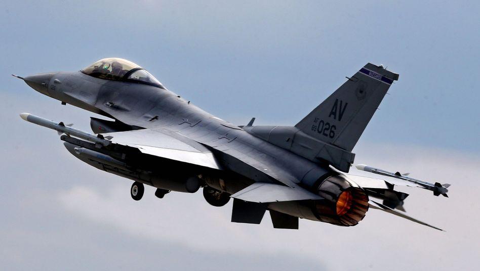 F16-Kampfflugzeug der US Air Force (2014): Absturzursache unklar