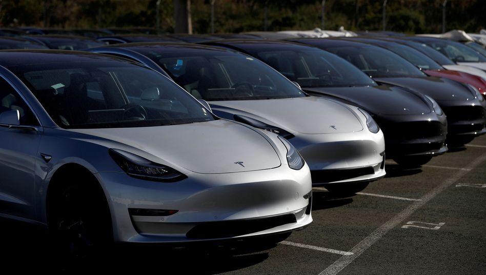 Fahrzeuge des Tesla Model 3