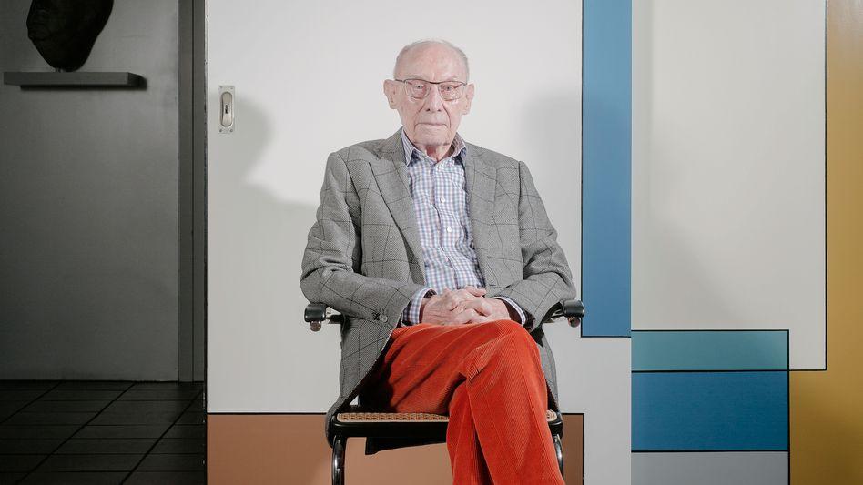 """Edzard Reuter: """"Für uns war die Vergangenheitsbewältigung nicht das vorderste Thema der Tagesordnung"""""""